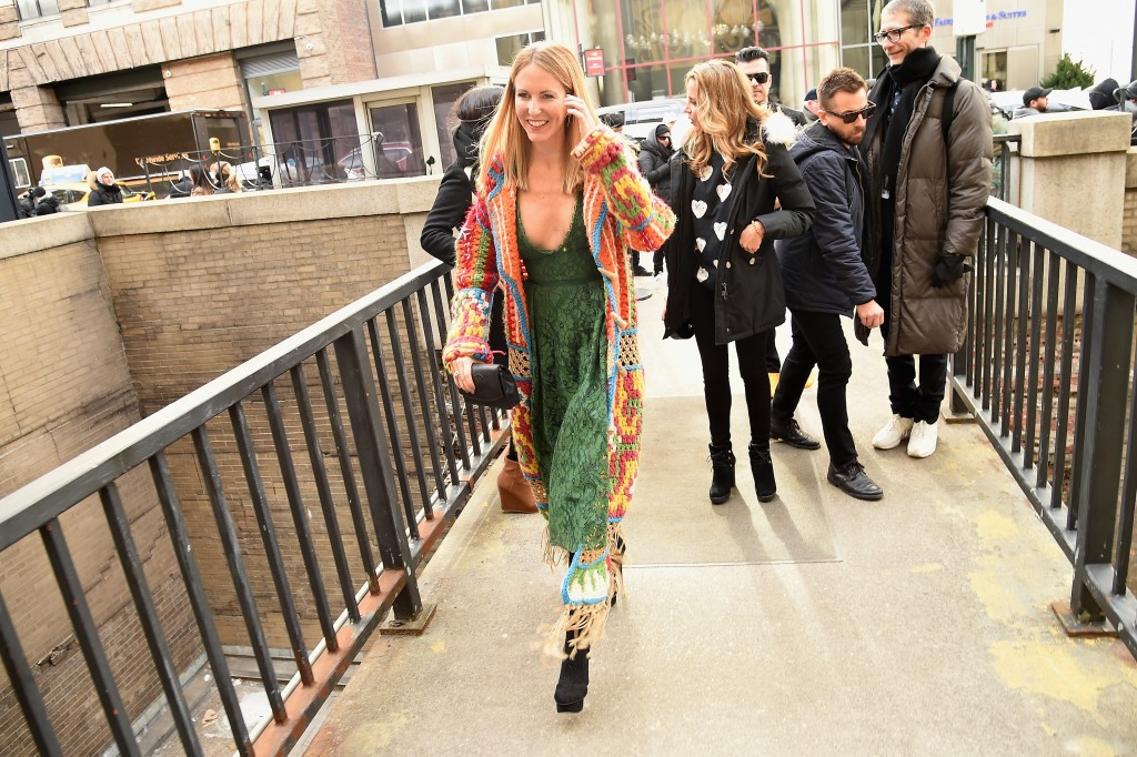 Desigual En New York Fashion Week 2016 Con El Micro Y En